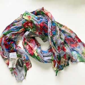 Sweet floral scarf NWT